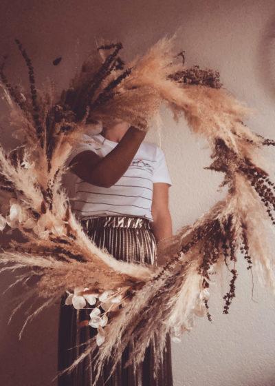 Ema - Couronne de fleurs séchées et stabilisées - Atelier Graine de Prairie